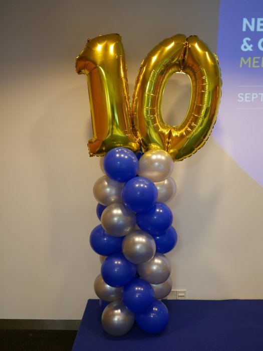 Balloon columns with megaloon numbers