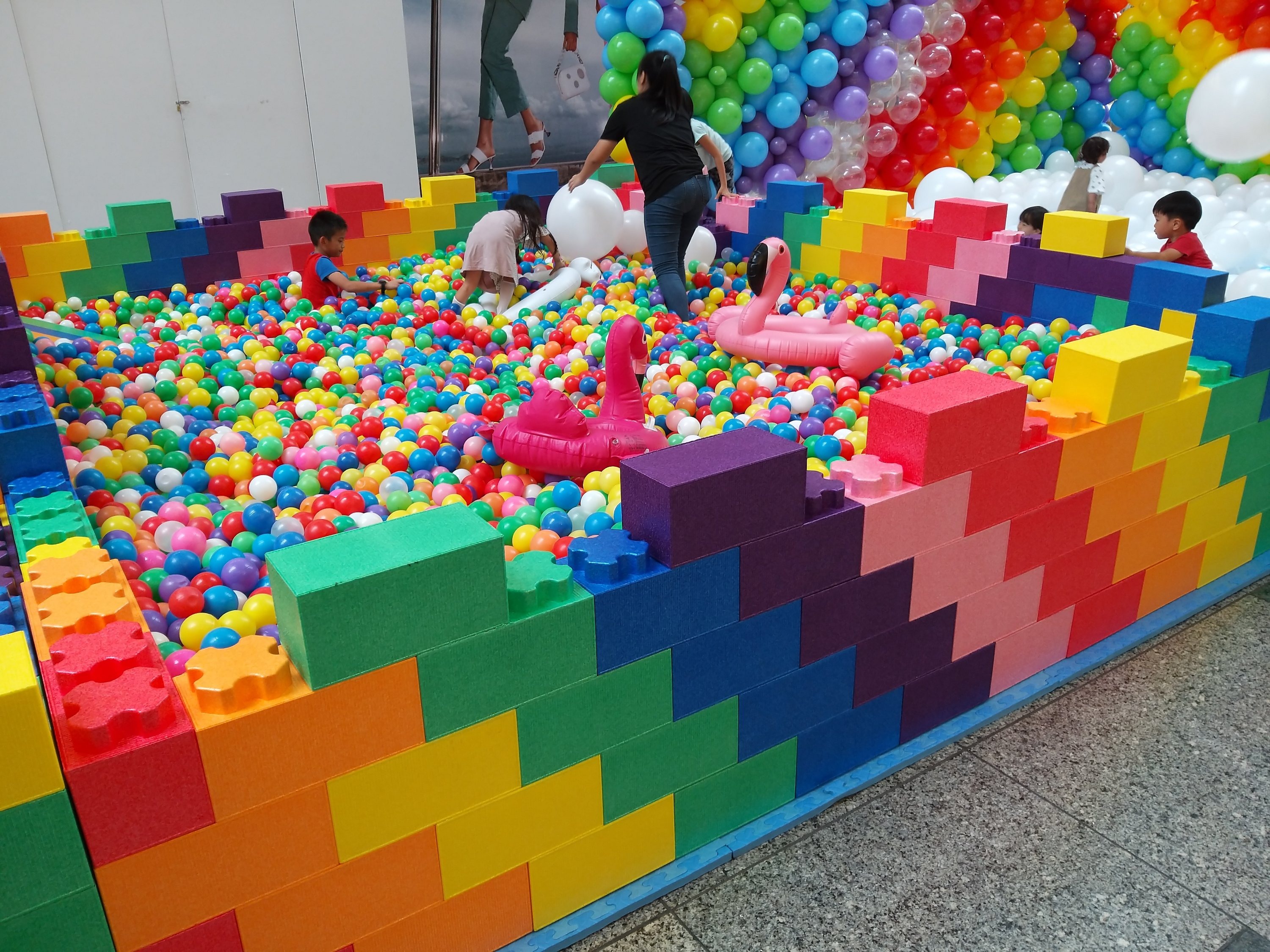 , Ball Pit + Balloon Pit Combo!, Singapore Balloon Decoration Services - Balloon Workshop and Balloon Sculpting