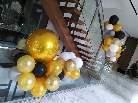 Organic balloon Garland decorations for stairs